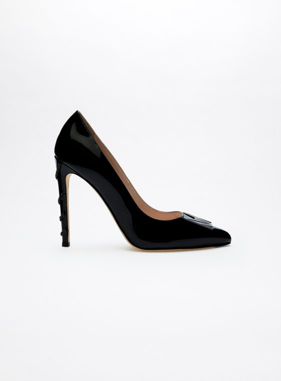 women's chain pumps